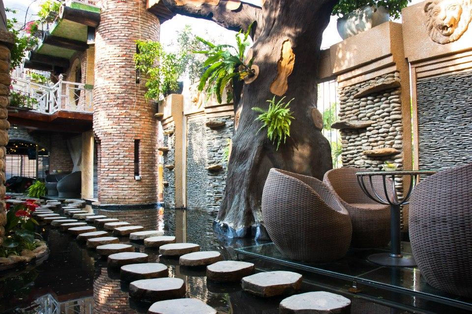 10 quán cafe sân vườn đẹp Oasis Cafe