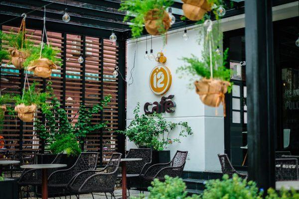 Kinh doanh cafe: Nhượng quyền thương hiệu hay mở quán theo phong cách riêng
