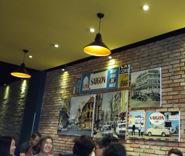 Tranh tại Quán cafe Sài Gòn Xưa