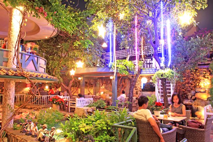 Top 10 quán cafe sân vườn đẹp Sorrento Café