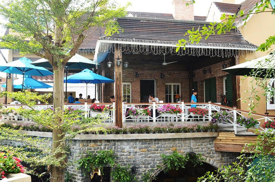 Quán cafe sân vườn Hương Đồng Nội